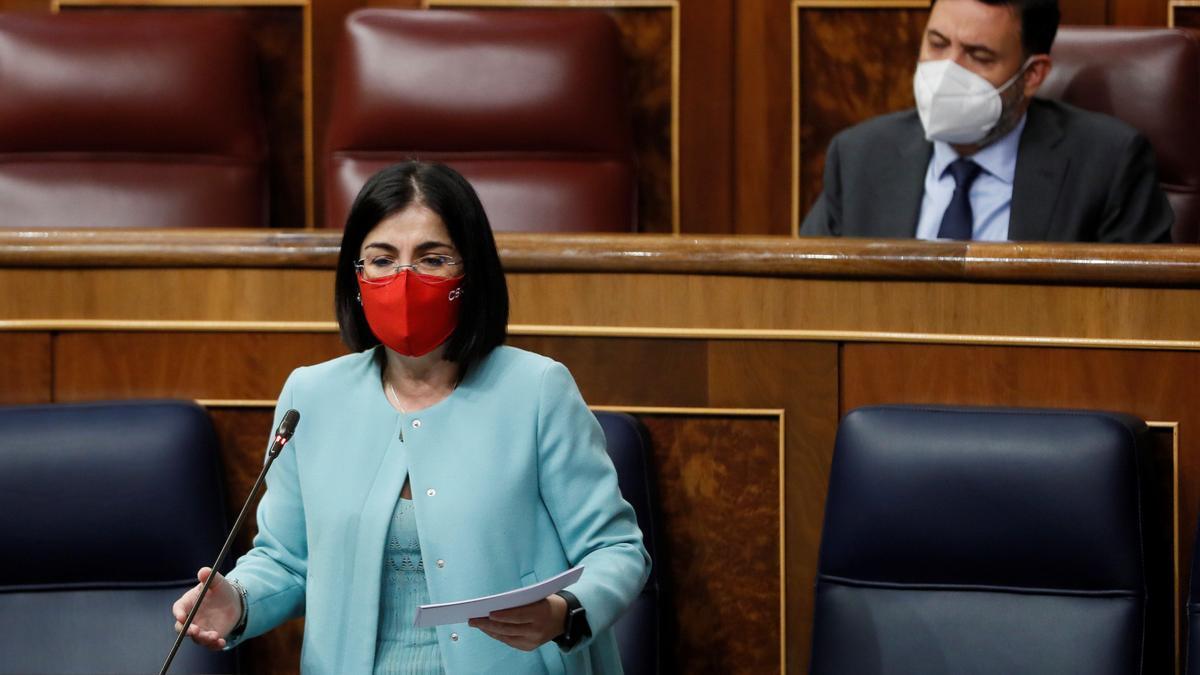 La ministra de Sanidad, Carolina Darias, en el Congreso