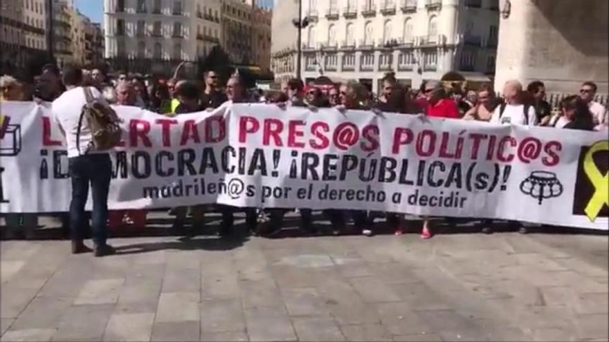 Mig centenar de persones es manifesten a Madrid per demanar l'alliberament dels CDR empresonats