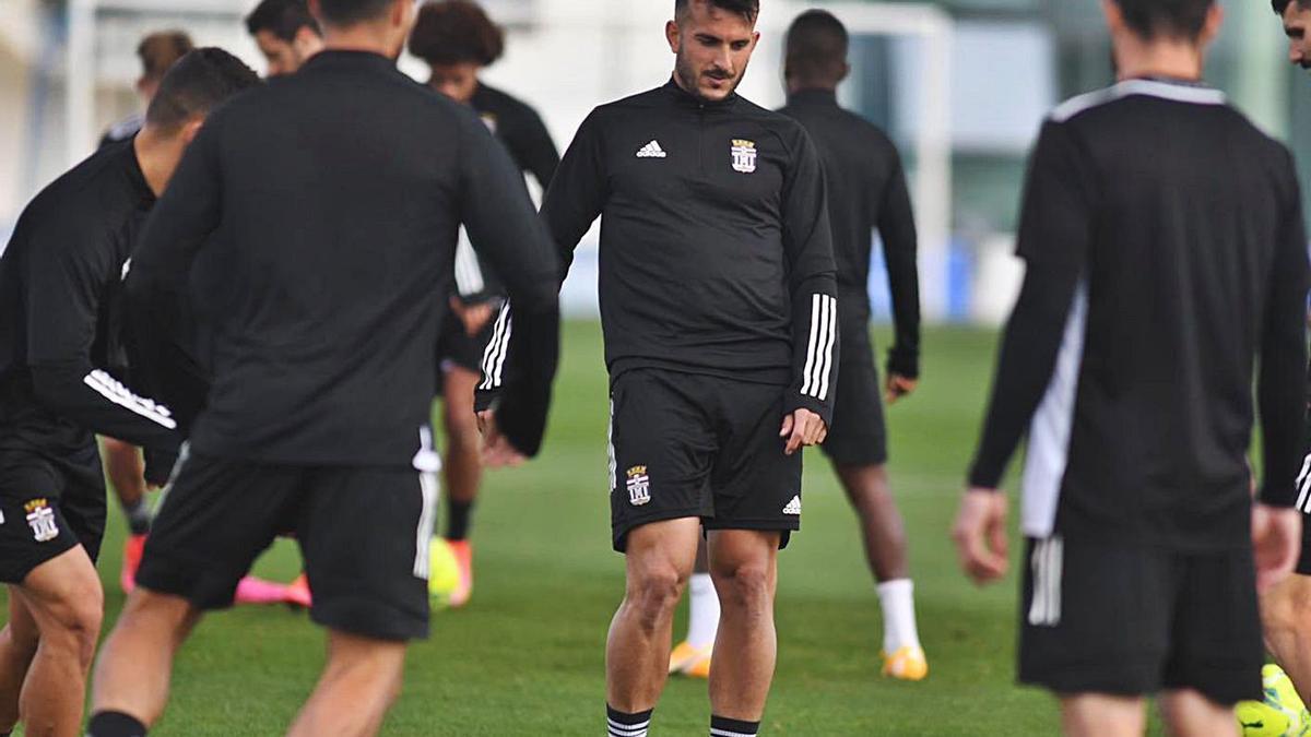 Elady, con el balón, en un entrenamiento.