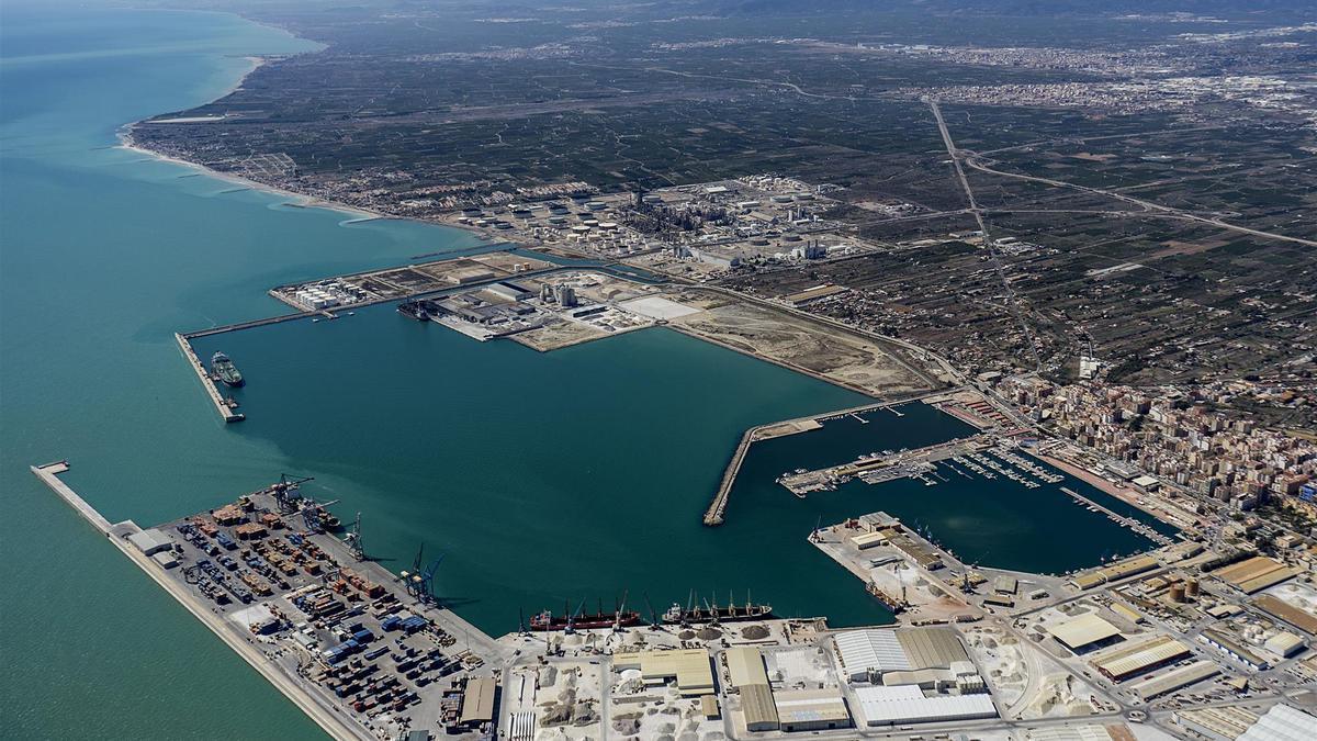 Imagen aérea de las instalaciones de PortCastelló.