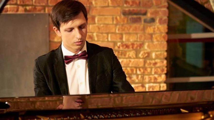 Lukasz Krupinski, piano