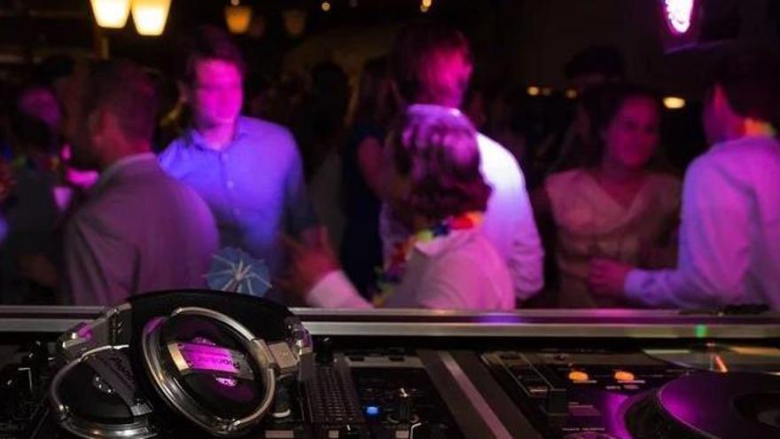 Catalunya demanarà reobrir les discoteques i bars musicals el 8 d'octubre amb passaport Covid