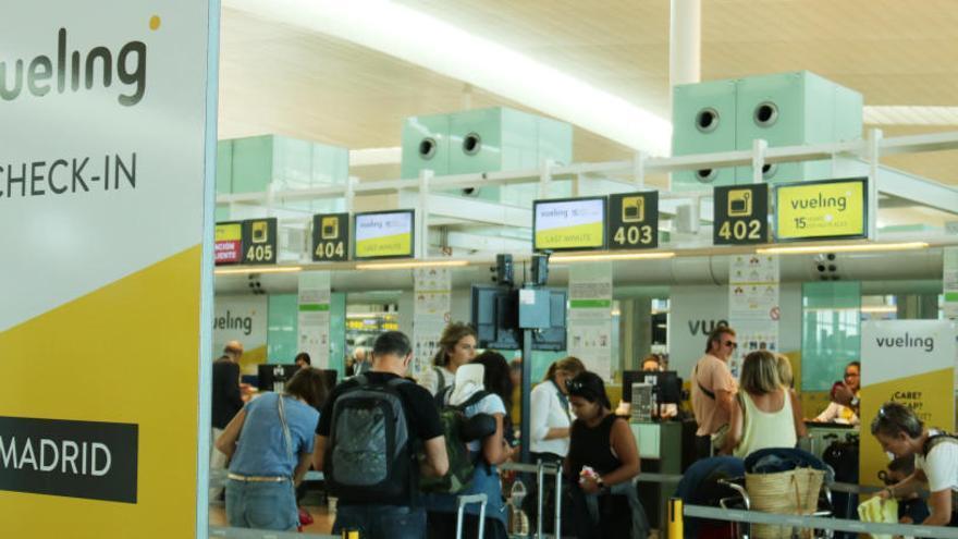 Vueling cancel·la més de 200 vols per la vaga del pont de la Mercè