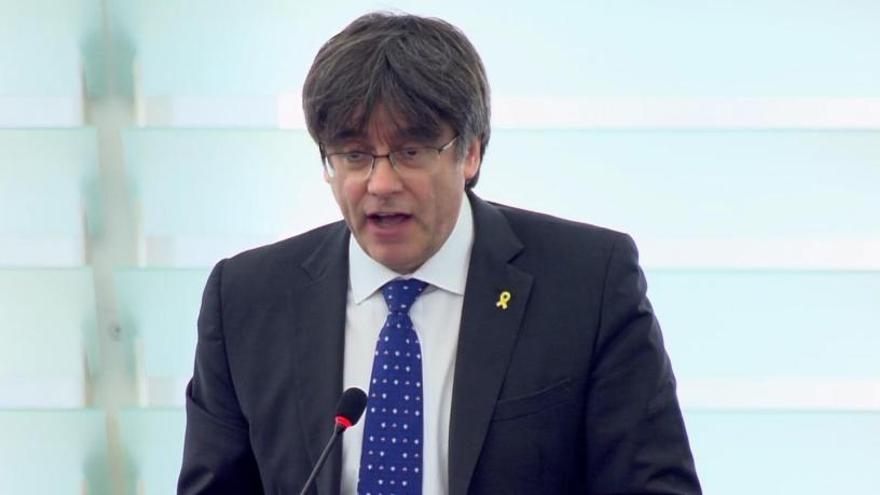 """Puigdemont se postula como """"interlocutor válido"""""""