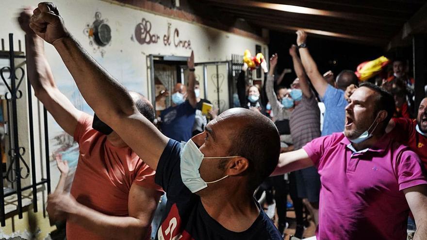 VÍDEOS | San Marcial apoya a Unai Simón hasta el final