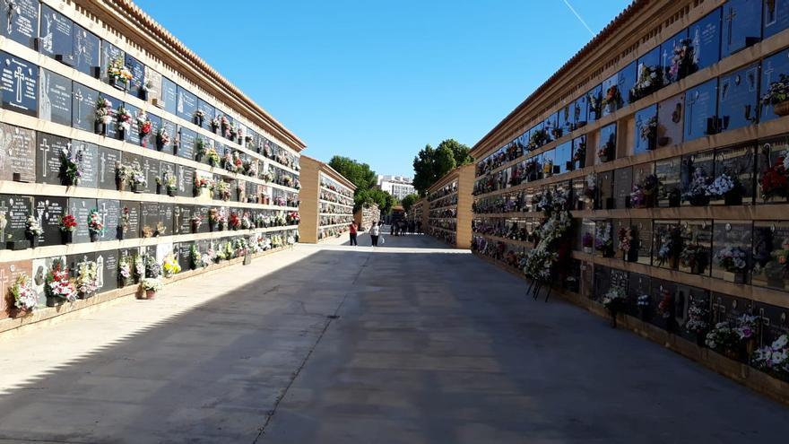 VALENCIA | Cementerios desérticos antes el miedo a la covid