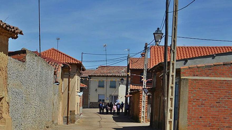 190 vecinos de Villabrázaro y San Román piden médico en el pueblo