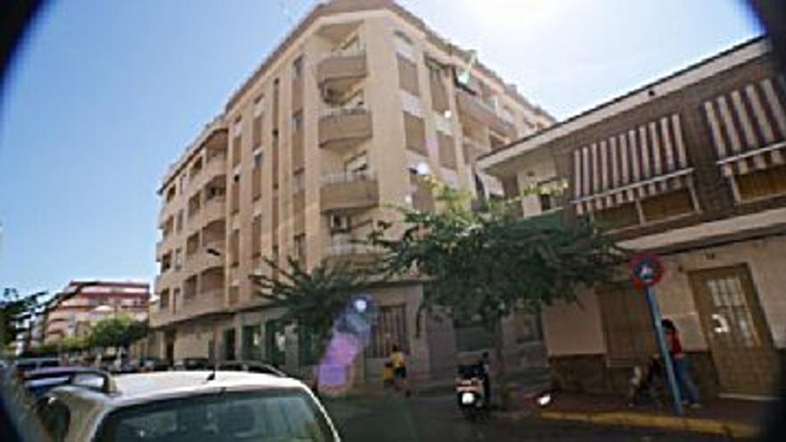 450 € Alquiler de piso en Altozano-Campoamor (Alicante), 2 habitaciones, 1 baño...