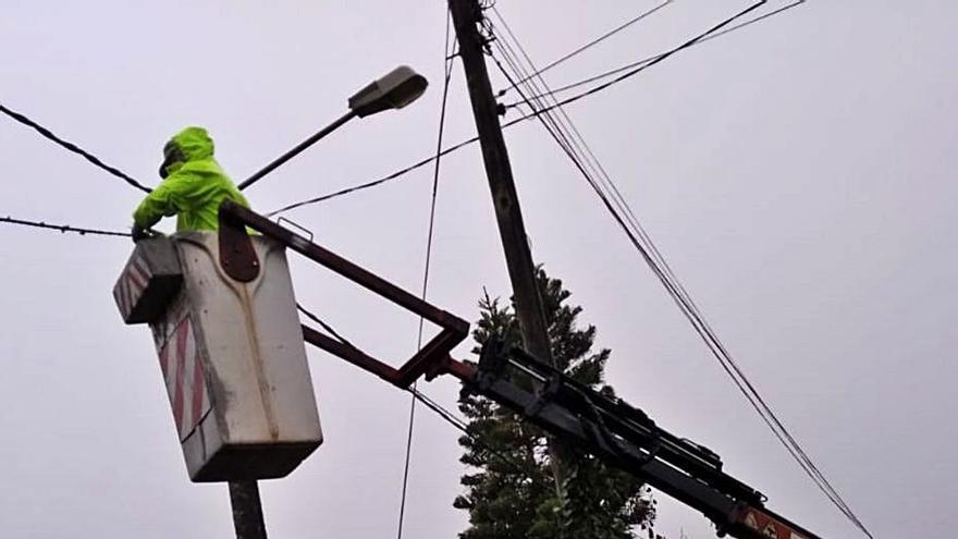 La Xunta obliga a Naturgy a realizar varias mejoras en Gondomar y aplicar descuentos a los perjudicados por los apagones