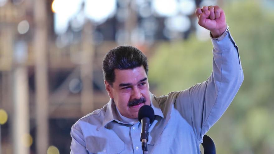 Maduro suspende la jornada laboral por el apagón