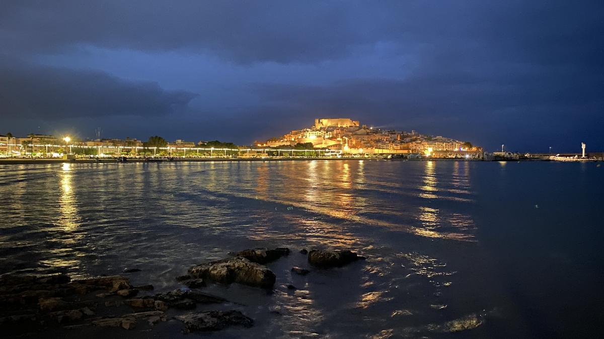 Peñíscola recobra su auténtico encanto de pueblo marinero, entre amaneceres húmeros y atardeceres cálidos