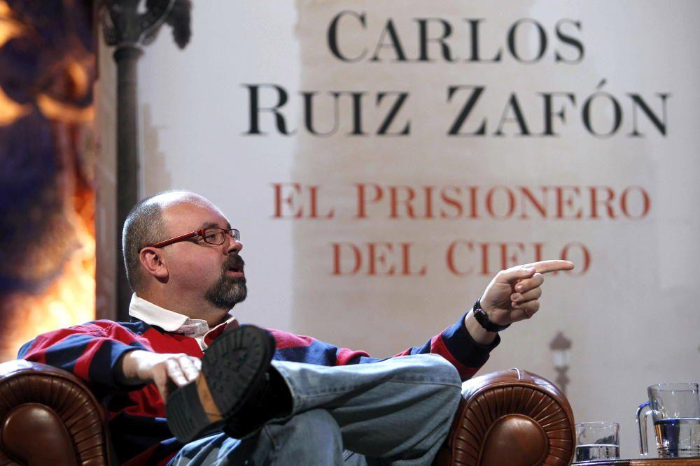 ENCUENTRO DE RUIZ ZAFÓN CON SUS LECTORES EN EL ...