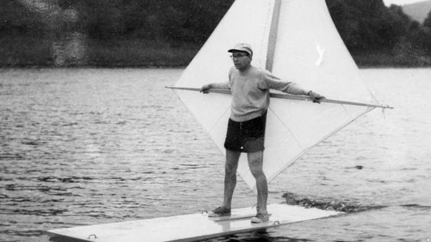 Muere el inventor del windsurf, Newman Darby, a los 88 años