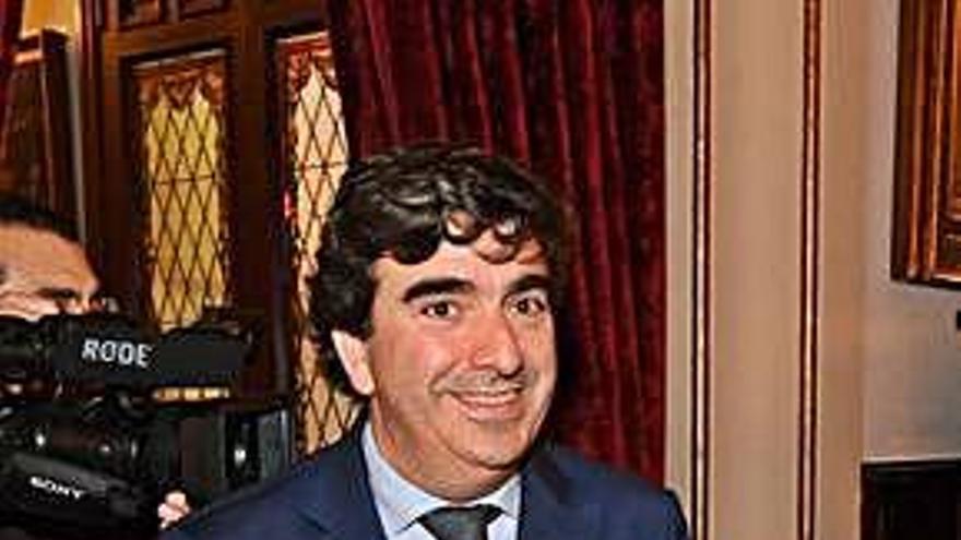 Fernández Prado dirige la gestora del PP y sustituye a Mato en el pleno