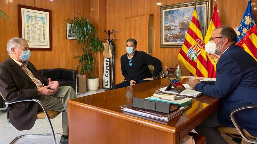 Visita del nuevo juez de paz sustituto al Ayuntamiento de El Campello