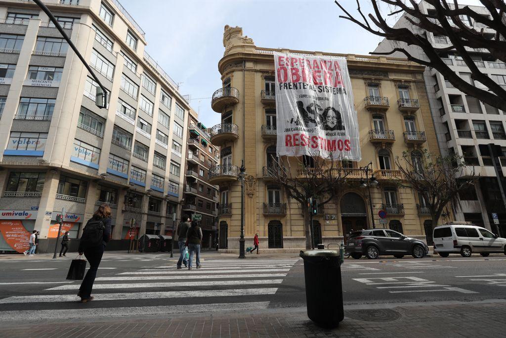 El colectivo Esperanza Obrera ocupa la vieja sede de la Conselleria de Servicios Sociales
