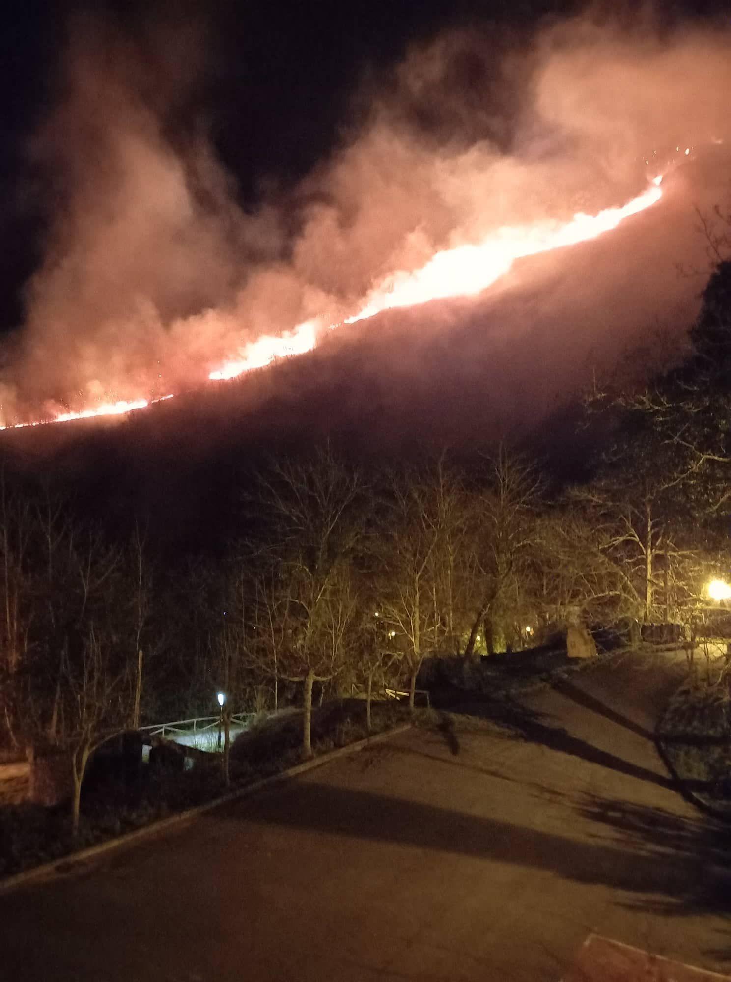 Las imágenes del incendio en el Sueve