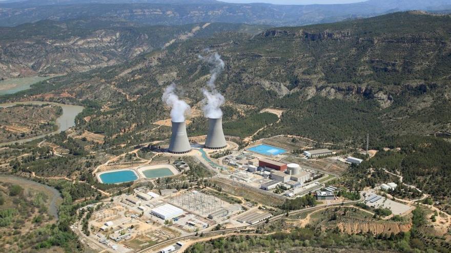 El Valle de Ayora y Requena muestran su preocupación ante el posible cierre de la nuclear de Cofrentes