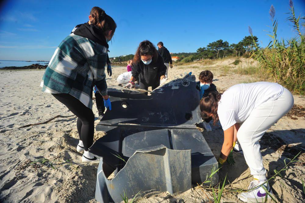 Limpieza simultánea de playas en Galicia