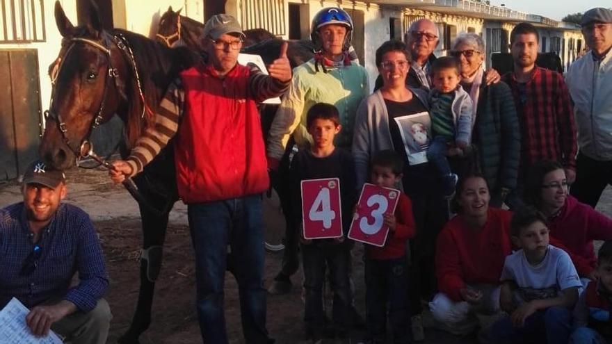 Así fue la victoria con récord mundial de Trébol en el Hipòdrom de Maó
