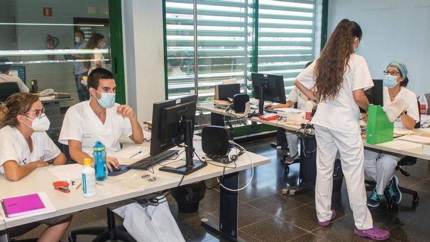 Canarias asegura que no puede abrir colegios en tres islas con la situación actual