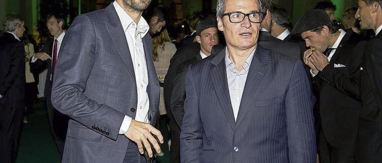 Gerard Piqué, futbolista del Barcelona y presidente de Kosmos, y Galo Blanco, director deportivo de la Davis,  durante uno de los actos promocionales del torneo.