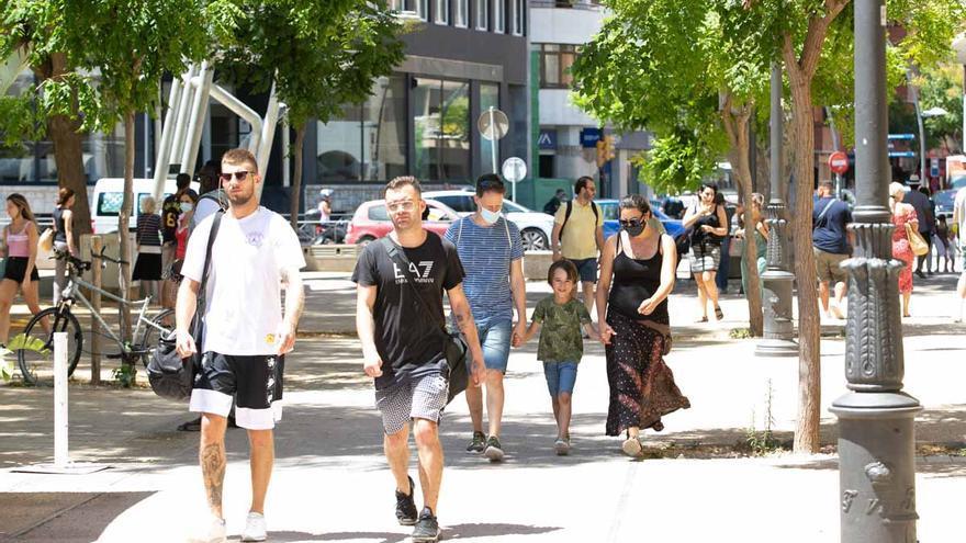 La mascarilla se resiste a desaparecer de las calles de Ibiza cuando ya no es obligatoria en exteriores