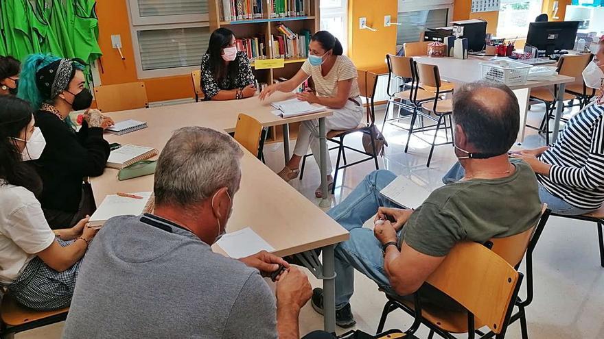 Poio analiza las actuaciones a desarrollar en los centros educativos