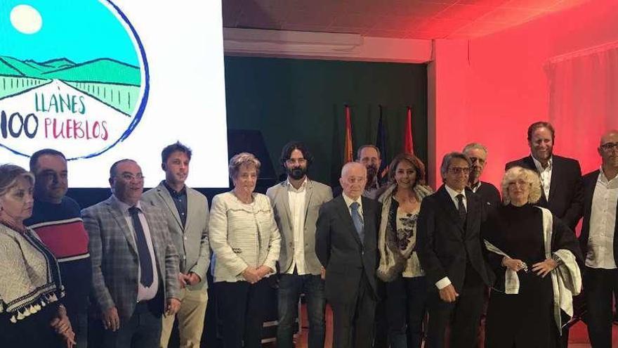 Llanes premia a los mejores embajadores turísticos del concejo
