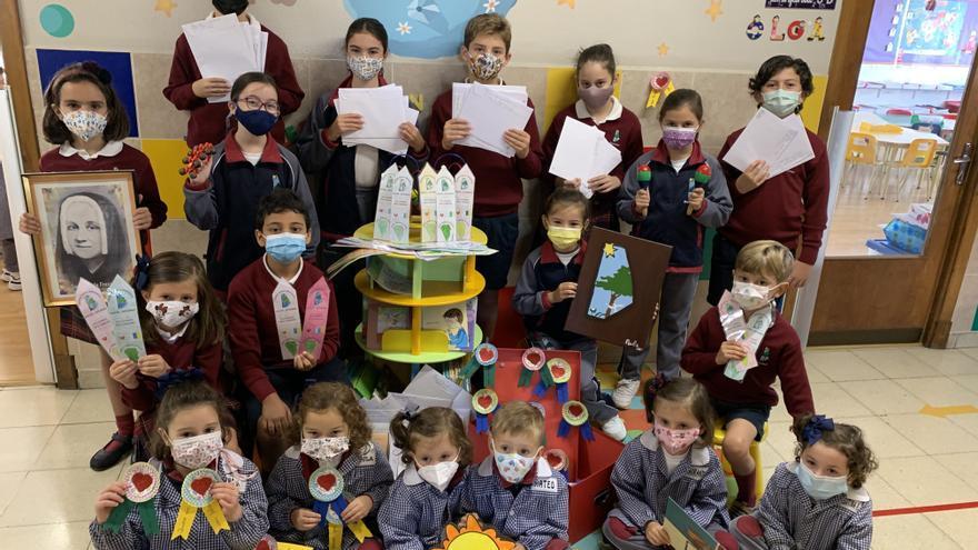Los niños del Paula Frassinetti envían cartas a los pequeños de La Palma