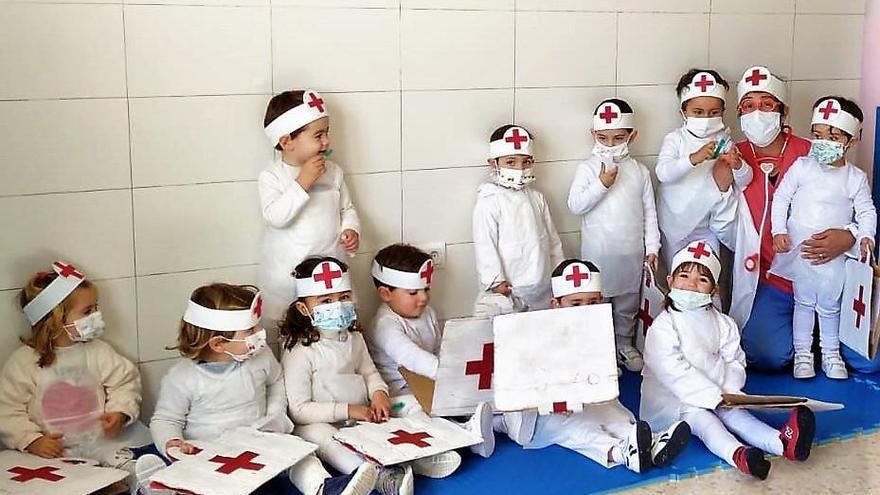 Homenaje a los sanitarios en el carnaval infantil de Monesterio