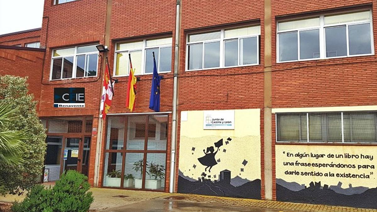 Exterior de las instalaciones del CFIE en Benavente, donde se desarrolló el curso sobre gamificación.