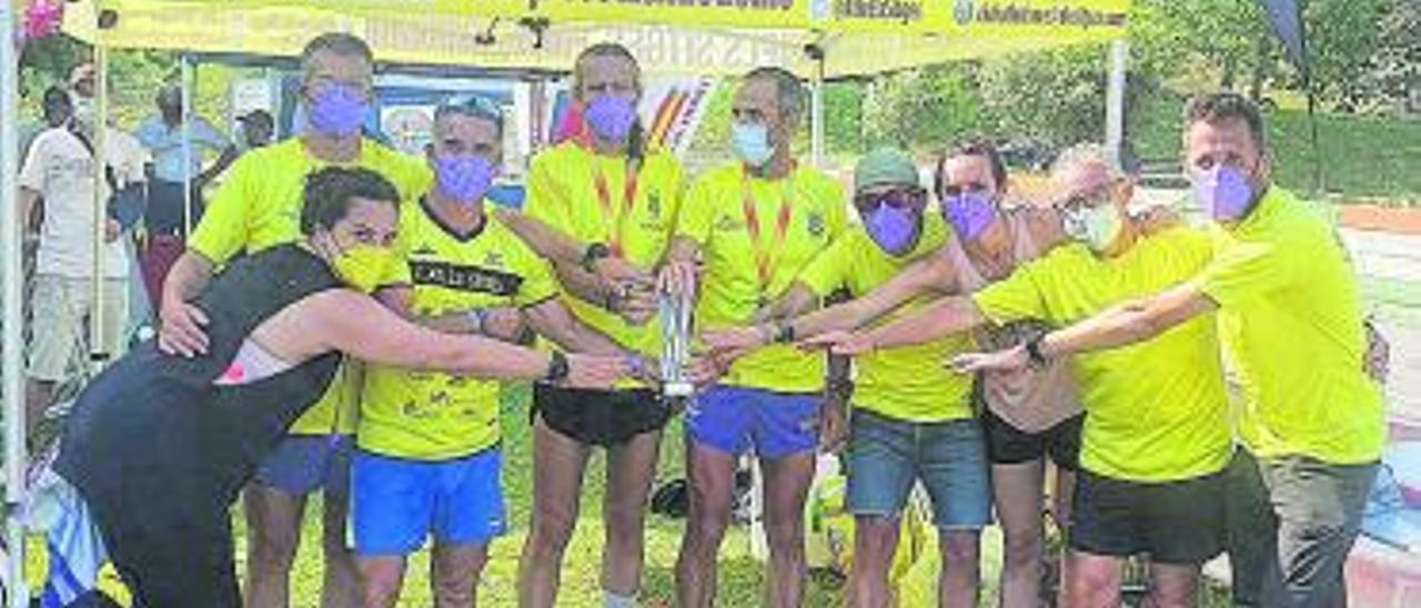 El equipo ganador del CA Els Sitges en Santander. | C.A.S.