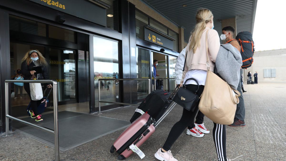 Llegadas en el aeropuerto de Asturias
