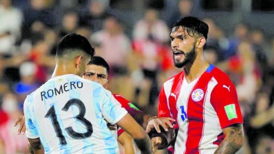 Omar Alderete mantiene a raya a la Argentina de Messi