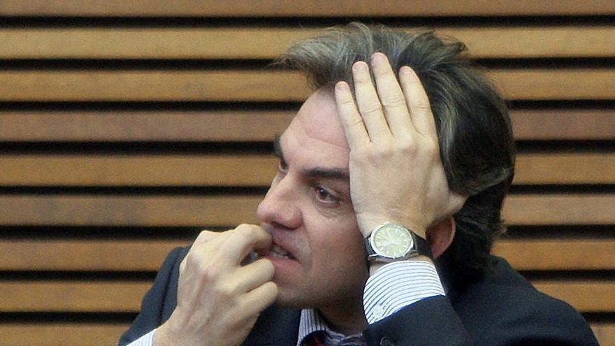 "Máximo Caturla: ""Sobrevivo con 1.200 euros al mes de repartidor"""