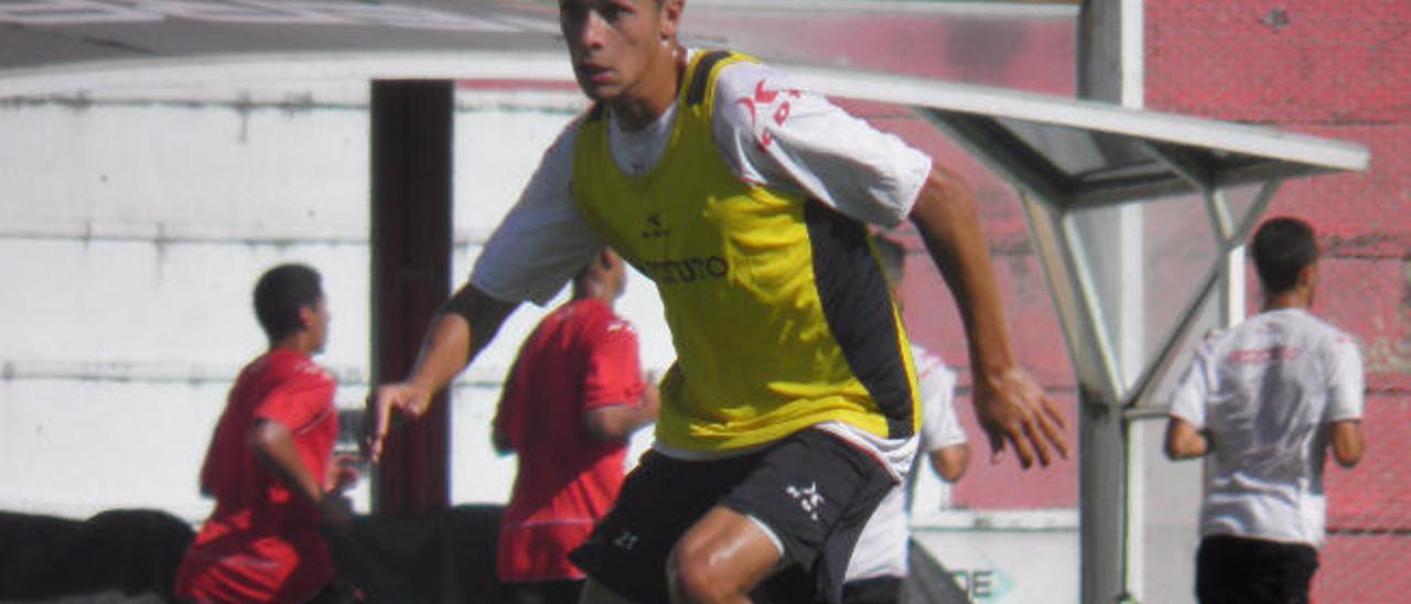 Mateo García, en un entrenamiento con el Instituto de Córdoba.