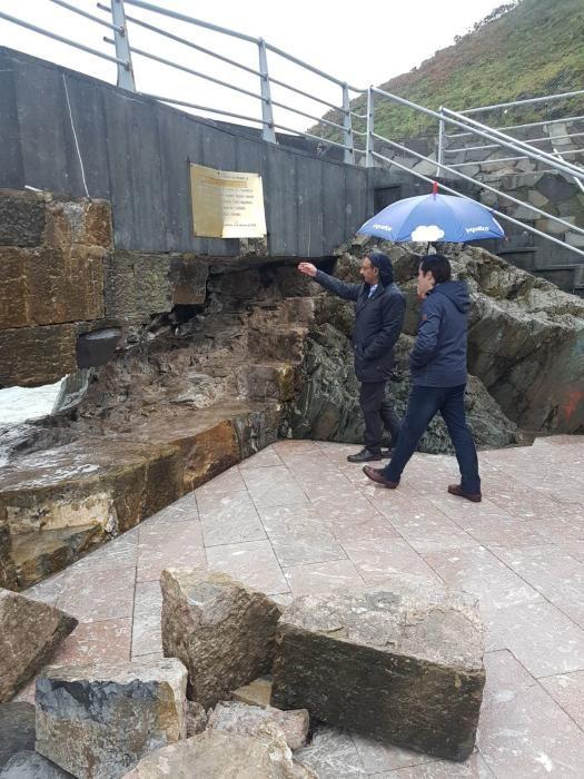 """Lastra visita Cudillero para evaluar los daños causados por la borrasca """"Hugo"""""""