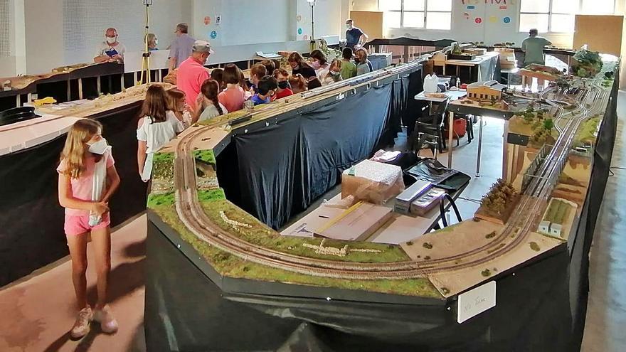La pasión por los trenes tiene su parada  en Almoines