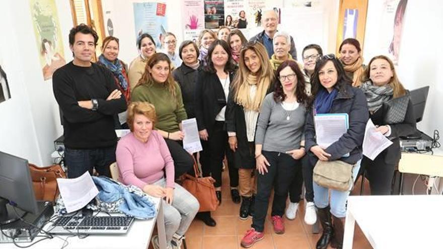 20 mujeres realizan cursos en «Ada Lovelace» de Godella