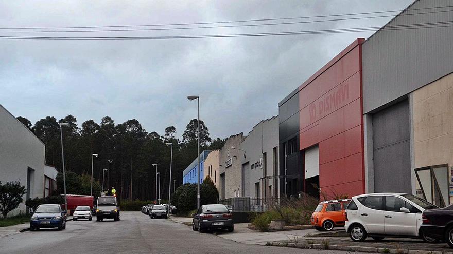 Sin cobertura: barrios turísticos y polígonos industriales de O Salnés con mala señal de móvil