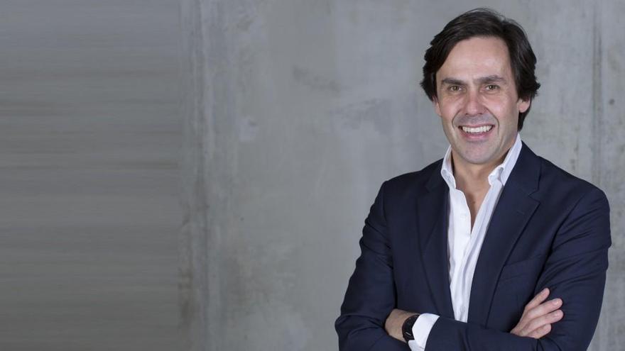 """Artur Martins: """"El coche eléctrico elimina la barrera industrial de entrada al sector"""""""