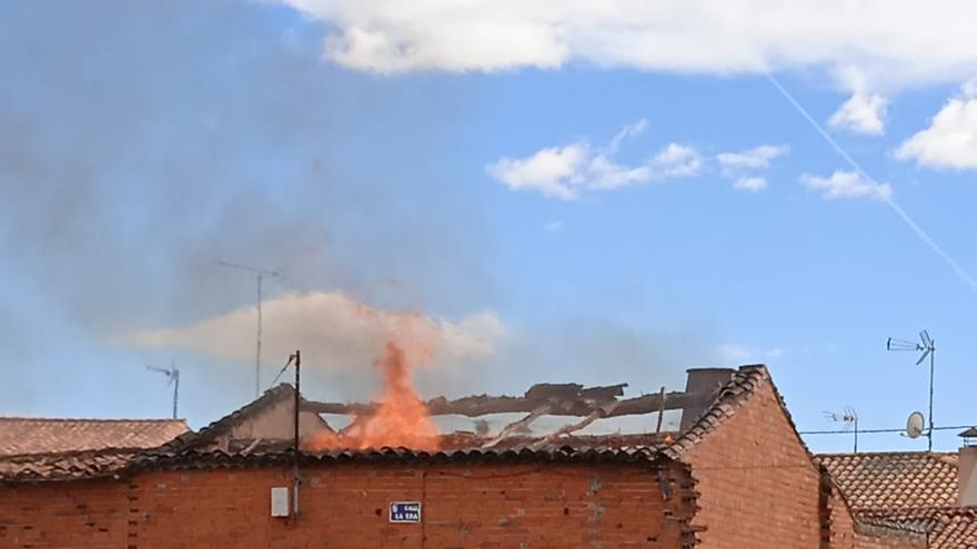 Sofocan un incendio en una vivienda en Villaseco del Pan