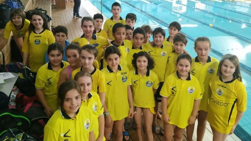 Los nadadores del Club Natación Oviedo participaron en la segunda jornada de los Juegos Deportivos