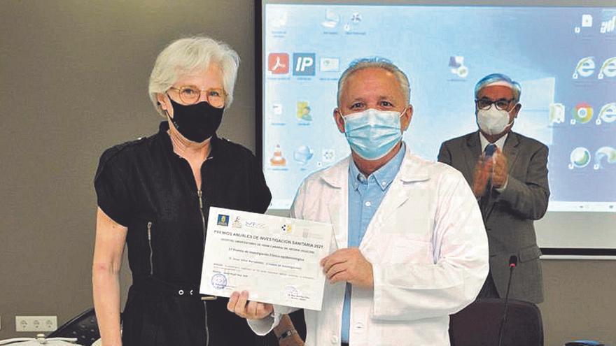 Un estudio de un corticoide del doctor Jesús Villar logra un premio Negrín