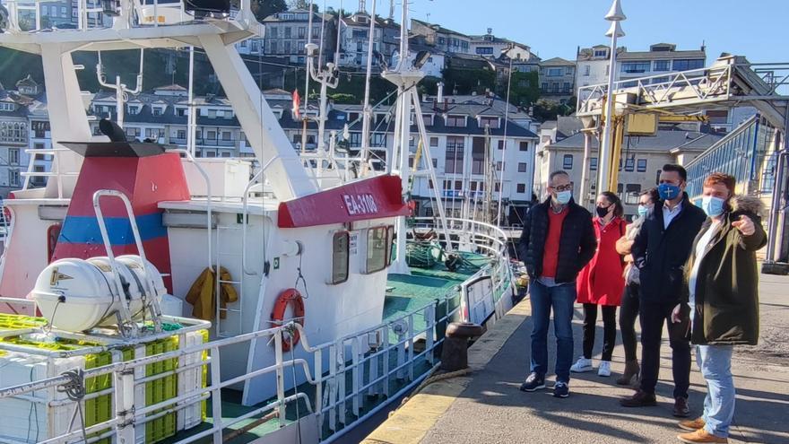 """El puerto de Luarca necesita una inversión """"fuerte y valiente"""", dice el PP"""