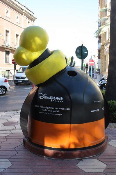 Galería de fotos | Furor en Castelló por los contenedores de reciclaje de Disney
