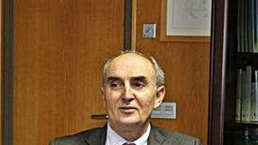La espera de un año en Oftalmología llega hasta el Procurador del Común