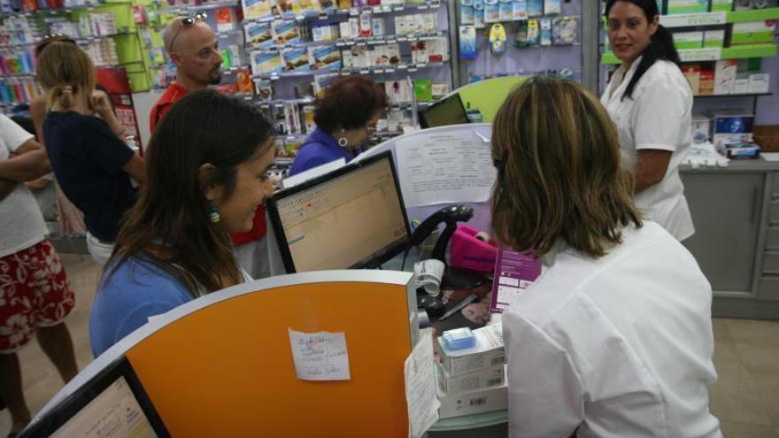 Las farmacias pueden servir  de cajero en los pueblos que ya no tienen bancos