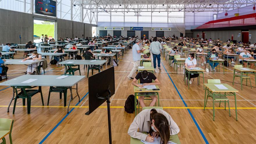 Selectividad entre canastas y marcadores para 336 estudiantes de la Marina Baixa